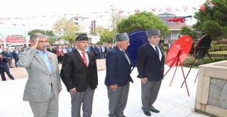 Gaziler Günü'nde Çelenkler Sunuldu