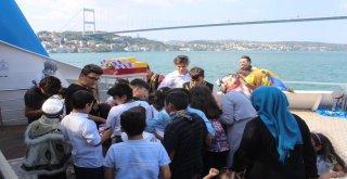 VALİDE SULTAN GEMİSİ'NDE SÜNNET ŞÖLENİ