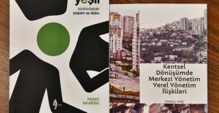 Başkan Soyer Büyükşehir çalışanı iki yazarı ağırladı