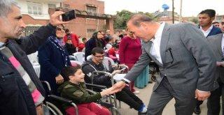 """16 Engelli Bireye Başkan Sözlü'den Tekerlekli Sandalye  Başkan Sözlü: """"İnsan Odaklı Çalışıyoruz"""""""
