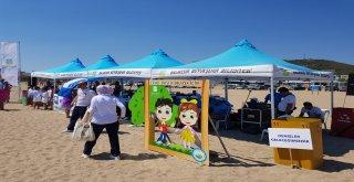 Yaz sezonun açılmasıyla birlikte Büyükşehir Belediyesi sorumluluğunda bulunan plajlarda başlayan kıyı-plaj temizliği çalışmaları tüm hızıyla devam ediyor.
