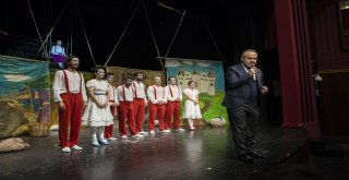 Başkan, çocuklarla 'Beş Haylaz'ı izledi