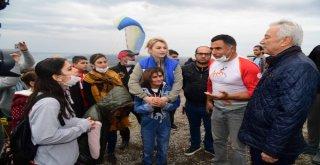 Lösemiyi Yenen Çocuklar Yamaç Paraşütüyle Moral Depoladı
