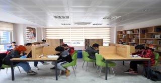 Gençlerin Eğitimine Osmangazi'den Destek