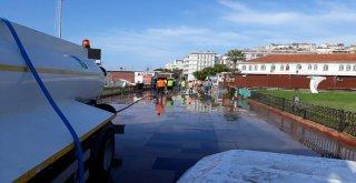 13 Eylül Perşembe günü Erdek ve Bandırma ilçelerinde etkili olan sağanak yağışın felç ettiği hayat hızlı bir şekilde normale dönmeye başladı.