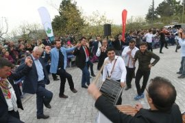 Osmangazi'de Köy Düğünü Geleneği Yaşatılıyor