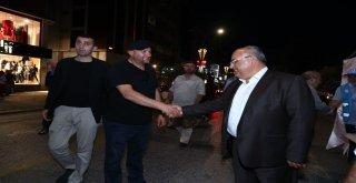 Başkan Hasan Can Alemdağ Caddesi'nde Vatandaşlarla Bir Araya Geldi