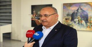 Başkan Hasan Can, Malazgirt Zaferi'ni Anma ve 14. Geleneksel Resim, Hikaye, Şiir Yarışması Ödül Töreni'nde Ulusal TV Kanallarının Canlı Yayın Konuğu Oldu