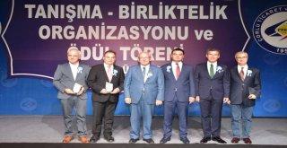 Başkan Kadir Albayrak Ödül Törenine Katıldı
