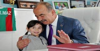 EMİNE ÖRNEK'İN ÇOCUKLARINDAN BAYRAM ZİYARETİ