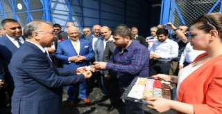Büyükşehir Tarsus Hali'nde Esnafın Yaralarını Sardı