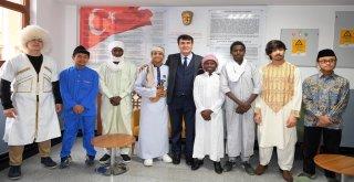 Dünya Öğrencileri Hayallerini Dündar İle Paylaştı