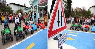 Miniklere uygulamalı trafik eğitim parkuru