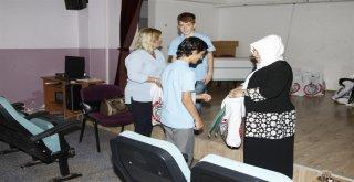 SEVGİ DERNEĞİ'NDEN 600 ÖĞRENCİYE KIRTASİYE YARDIMI