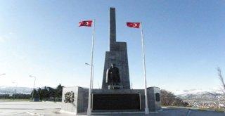 Kuva-yi Milliye Şehri Balıkesir, kendine yakışan bir Atatürk heykeline kavuşuyor.