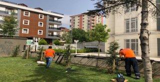 Ümraniye Belediyesi İlçedeki Parkların Güvenliği İçin Korkuluk Yapımına Devam Ediyor