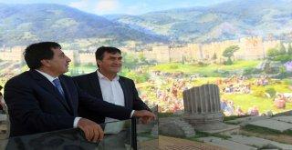 Vali İzzettin Küçük, Panorama 1326 Fetih Müzesi'ni Gezdi