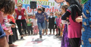 Oyun Karavanı Sınırları Aşarak Çocukların Yüzünü Güldürdü