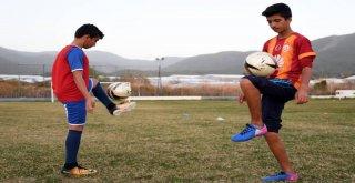 Geleceğin Futbolcuları Bozyazı?da Yetişiyor