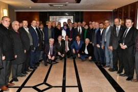 Başkan Tuna,Ankaradaki muhtarlarla bir araya geldi.