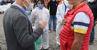Başkan Soyer'den çadırdaki depremzedelere ziyaret