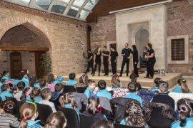 'Masal Gezginleri' çocuklar için sahnede
