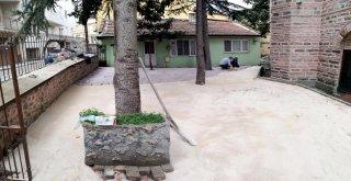 Tarihi Camilere Osmangazi Eli
