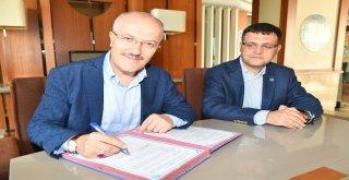 Yağlı Güreş Düzenleyen Kentler Birliği encümen ve meclis toplantısı Manisa İli Yunusemre Belediyesi ev sahipliğinde gerçekleşti.