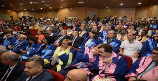 Bandırma 17 Eylül Üniversitesi'nin 2018 - 2019 Akademik Yılı'na başlaması dolayısıyla bir üniversitenin kampüsünde bir tören düzenlendi. Gençlik ve Spor Bakanı Mehmet Muharrem Kasapoğlu ve Balıkesir B