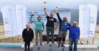 Yamaç paraşütü şampiyonları ödüllerini aldı