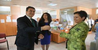 Başkan Dündar Kadın Personelin Anneler Gününü Kutladı