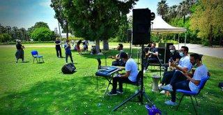 4 günlük 19 Mayıs coşkusuna İzmirli müzisyenler de katıldı