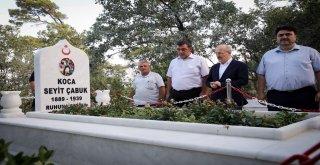 Balıkesir Büyükşehir Belediye Başkanı Zekai Kafaoğlu güne Havran ilçesinden başladı. Sabah saatlerinde yola çıkan Kafaoğlu ilk olarak Havran ilçesinde vatandaşlarla sabah namazını eda etti ve daha son