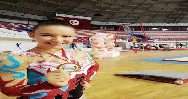 Manisa Büyükşehir'in Altın Kızı Tunus'u Fethetti