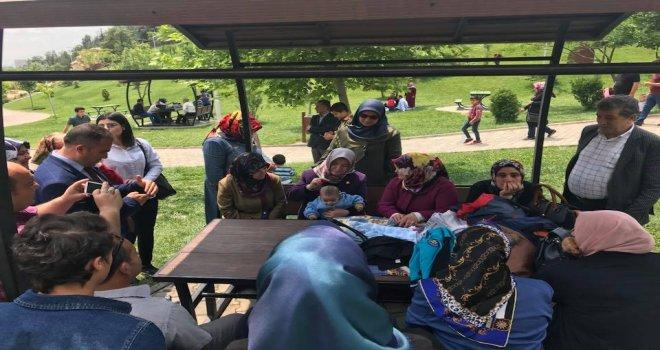 Büyükşehir'den koruyucu ailelere  piknik.