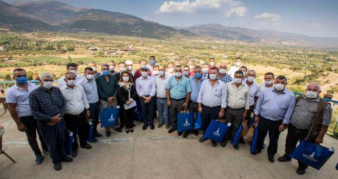Başkan Soyer Kiraz'da muhtarları dinledi