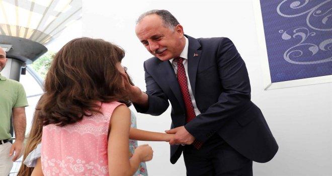 """Başkan Çağırıcı: """"Bayramı Güzelleştiren Şey Çocukların Gülen Yüzüdür"""""""
