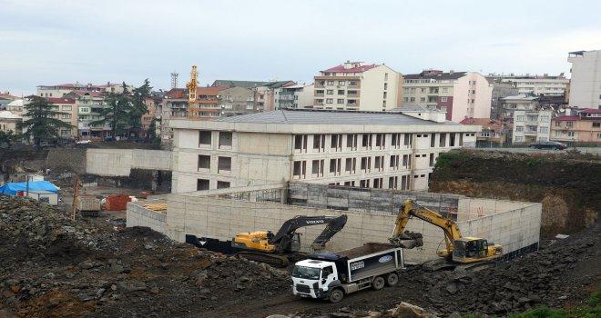 Trabzon'da Cudibey Ortaokulu ve öğretmenevi inşaatı hızla ilerliyor