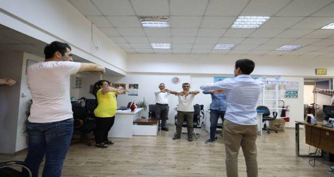 Personellere Masa Başı Egzersiz Eğitimi