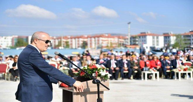 Başkan  Kafaoğlu , öğrencilerin heyecanına ortak oldu.