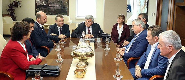 Başkan Karaosmanoğlu, ''Muhtarlarımız, elimiz, gözümüz ve kulağımızdır''