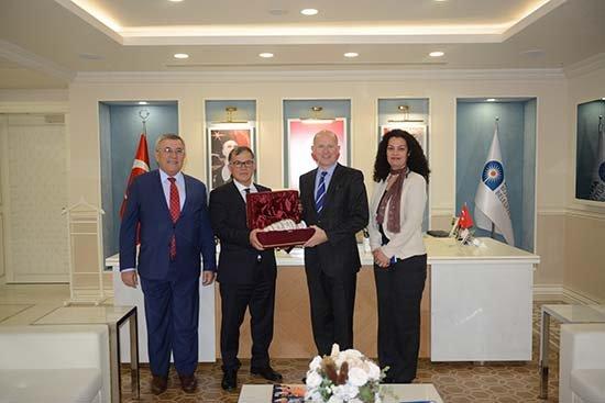 İngiltere Büyükelçisi'nden Büyükşehir'e ziyaret