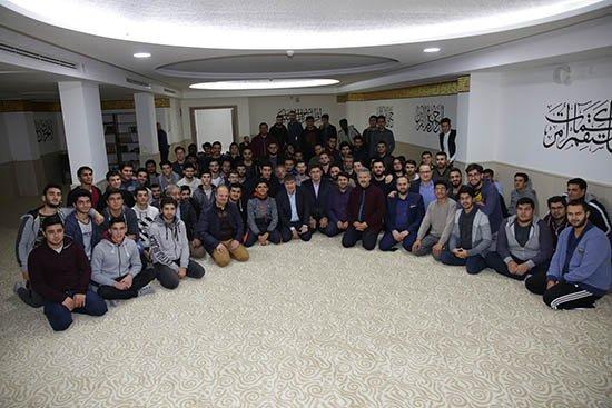 Türel'den üniversite öğrencilerine üst geçit müjdesi