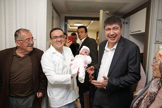 Başkan Türel'den en yeni Antalyalılara hoş geldin ziyareti