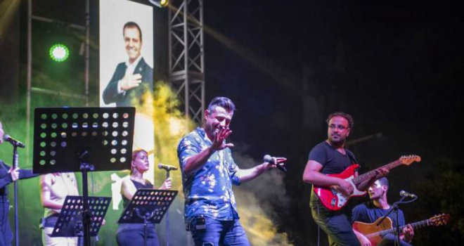Mersin Müziğe Büyükşehir'le Doydu