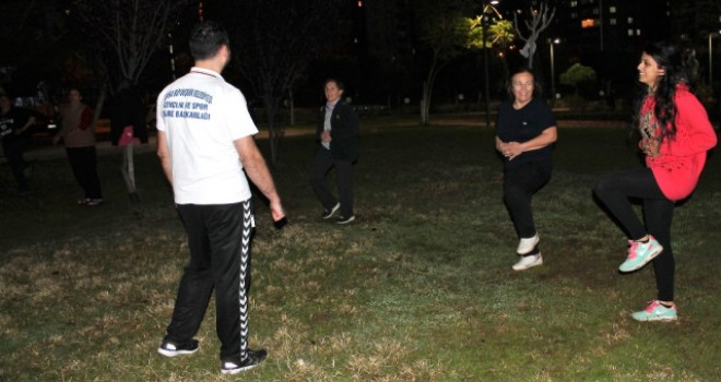 Adana'nın Parklarında Sabah-akşam Spor