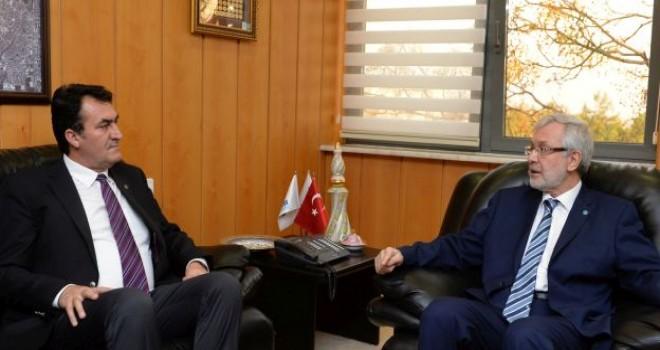 Başkan Dündar'dan, Rektör Ulcay'a Geçmiş Olsun Ziyareti