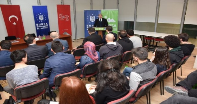 Yeni Medya   'Bursa Medya Okulu'nda konuşuldu.