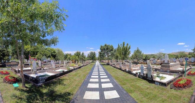 Asri Mezarlık'ta Mezar Yeri Satılıyor