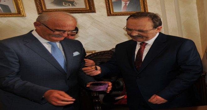 Başkan Şahin 'den Yusuf Ziya YILMAZ'a Raylı Sistem Teşekkürü